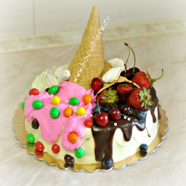 Торт с трубочками из шоколада 182